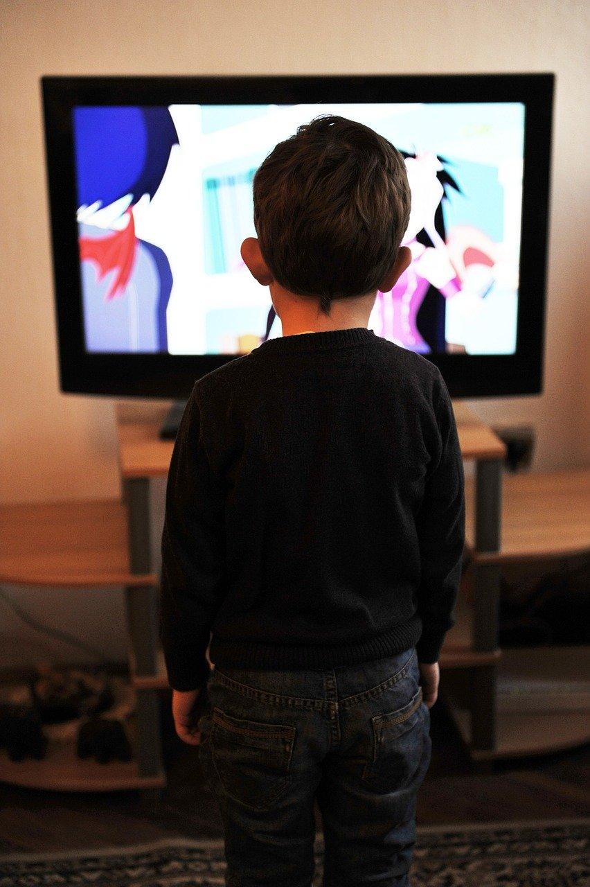 テレビやメディアを捨てると幸せになる理由